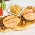 Foie de pato con cebolla caramelizada